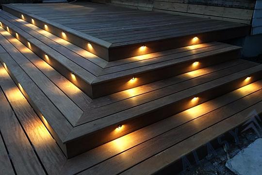 Lợi Ích Khi Sử Dụng Đèn LED Âm Cầu Thang Dimmer